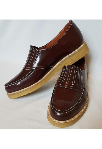 Shark Bordeaux Leather Crepe Sole